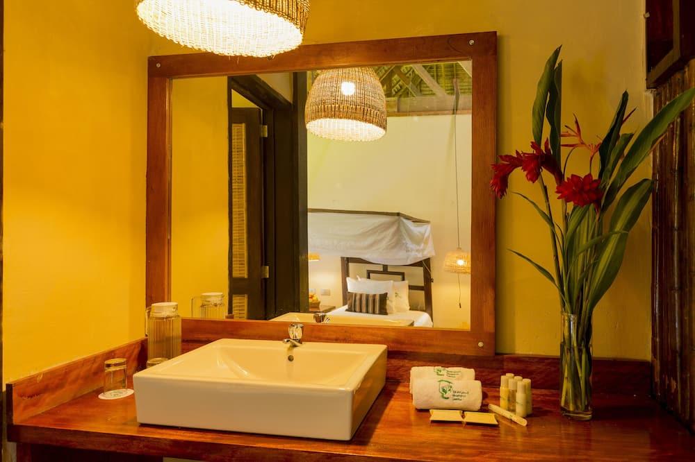 Одномісний номер категорії «Superior», 1 односпальне ліжко, з видом на сад - Ванна кімната