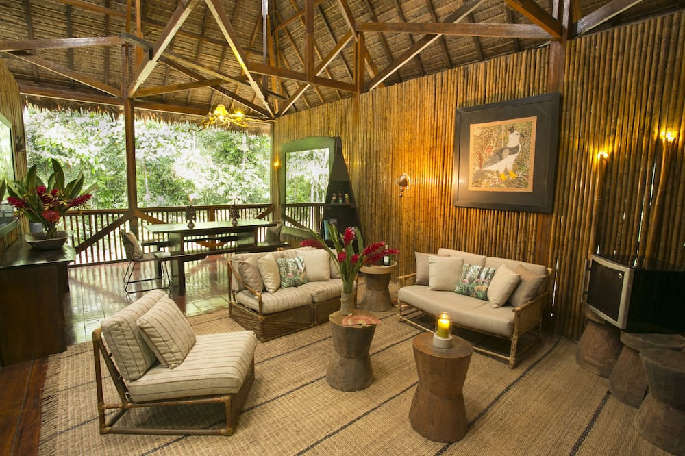 Traditional Villa, 1 Bedroom, Garden View - In-Room Dining