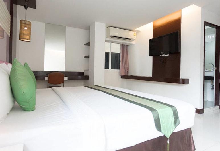 The Cozi Inn, Bangkok, Deluxe Triple Room, Bilik Tamu