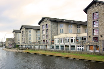 Enter your dates to get the best Ballina hotel deal