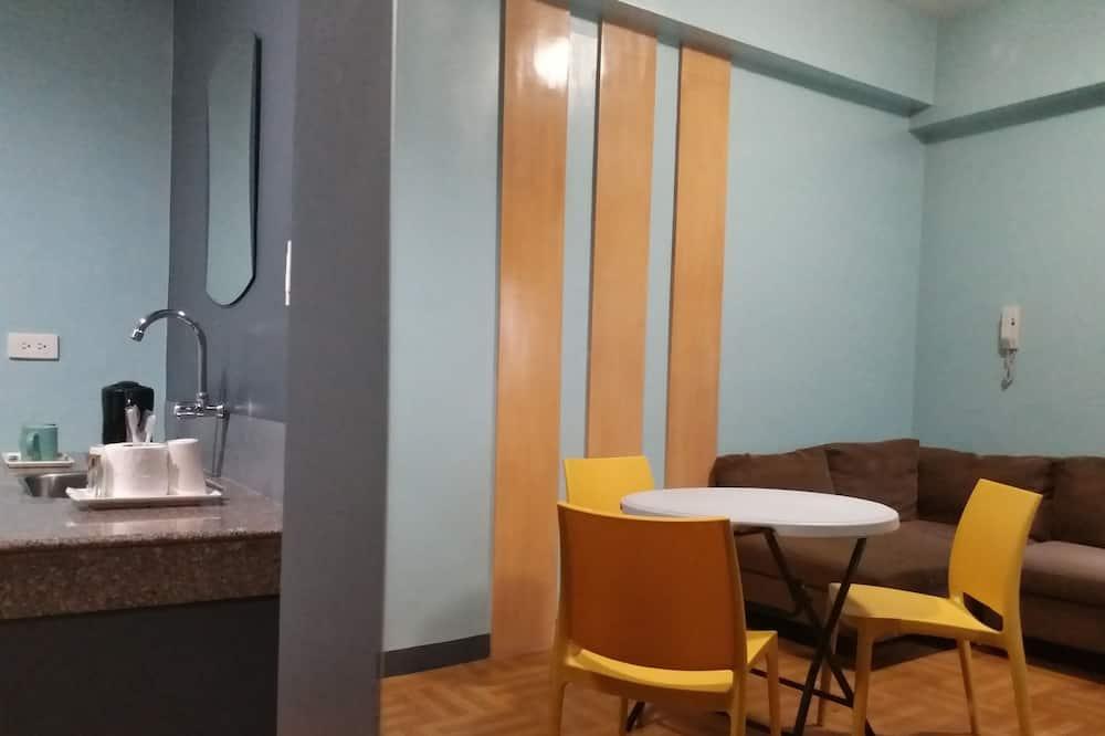 Suite, 1 Bedroom - Living Area