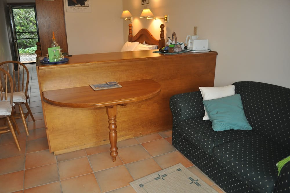 The Fig Tree - Living Area