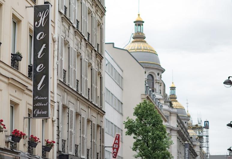 Prince Albert Opera, פריז, חזית המלון
