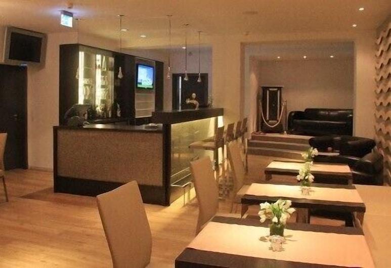Hotel Achtert Diek, Langeoog, Hotelski bar