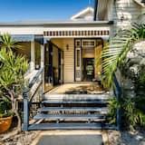 Bowen Terrace Accommodation, Brisbane