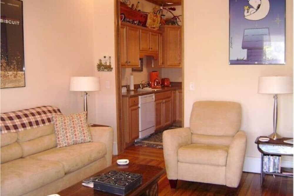 Deluxe Suite, 1 King Bed with Sofa bed, Patio - Living Area
