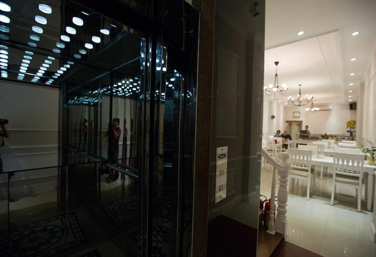 Calypso Premier Hotel, Hanoi
