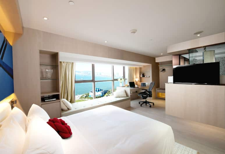 Butterfly on Waterfront Boutique Hotel Sheung Wan, Hong Kong, Executive Harbour View Room with Free 4G Pocket Wi-Fi Device, Guest Room