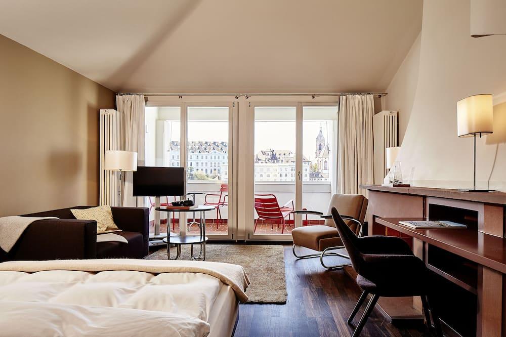 Junior Suite, River View - Living Area