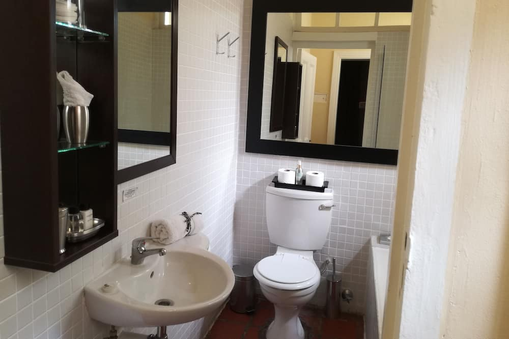 Traditional Room, Ground Floor - Bathroom