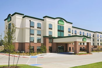 Picture of Wingate By Wyndham Frisco TX in Frisco
