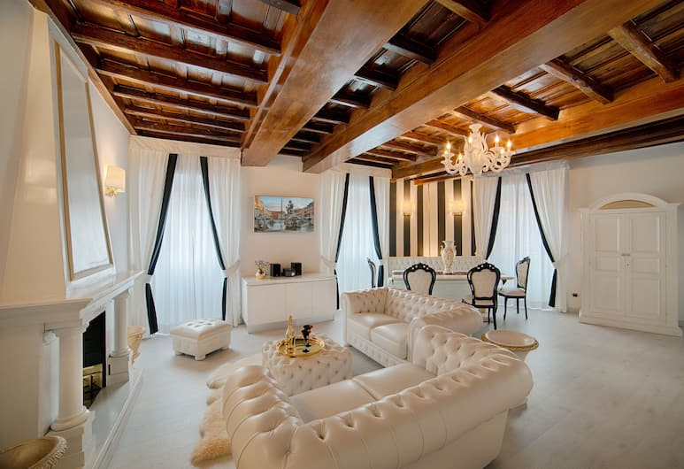 Tolentino Suites, Rome, Apartment, 2 Bedrooms, Annex Building (Via Francesco Crispi,76), Living Area