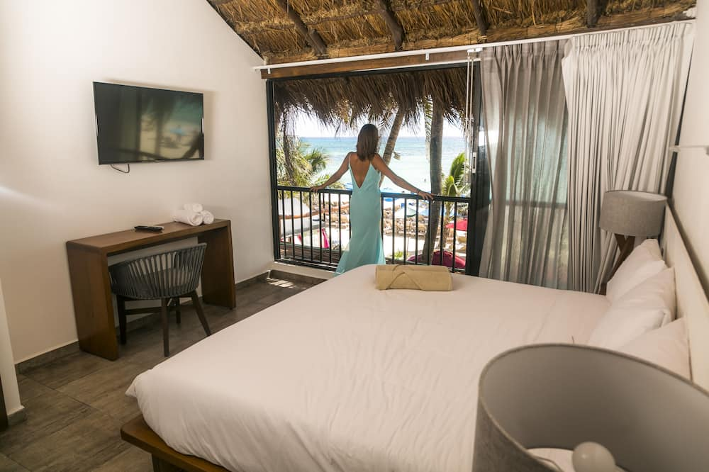 Panoramic Room, 1 King Bed, Beachfront - Guest Room