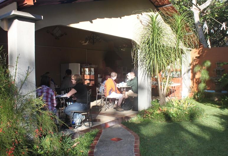 Hotel Santa Maria Inn, Alajuela, Outdoor Dining