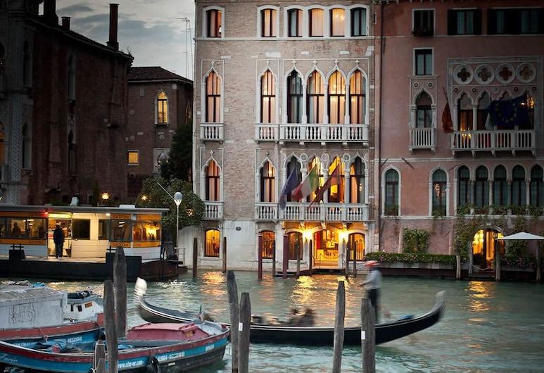 Pesaro Palace, Venecia