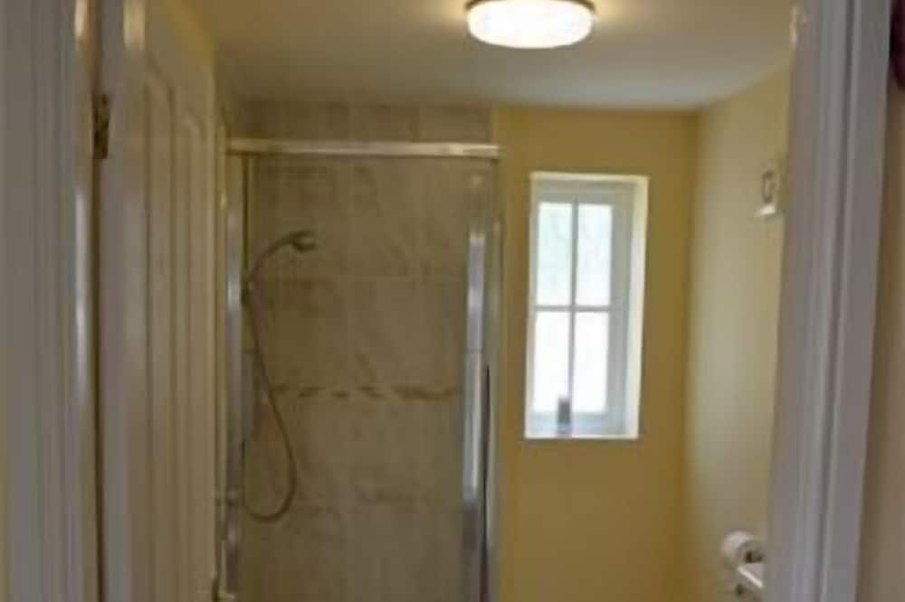 Twin Room, Accessible - Bathroom