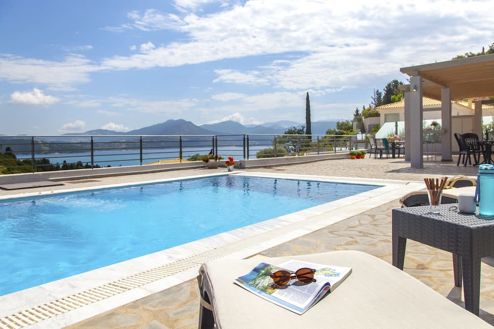 Premium vila, 2 spavaće sobe, privatni bazen, pogled na more (for 6, Meliti) - Privatni bazen