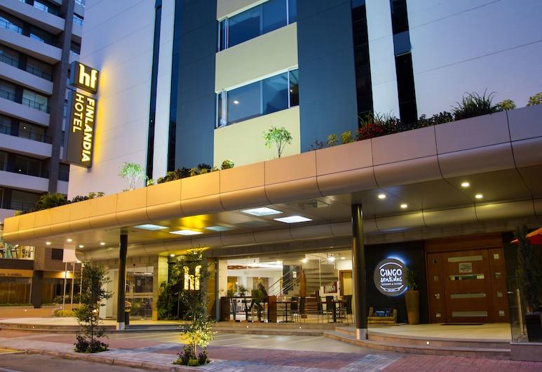 Hotel Finlandia, Quito, Hotellfasad - kväll