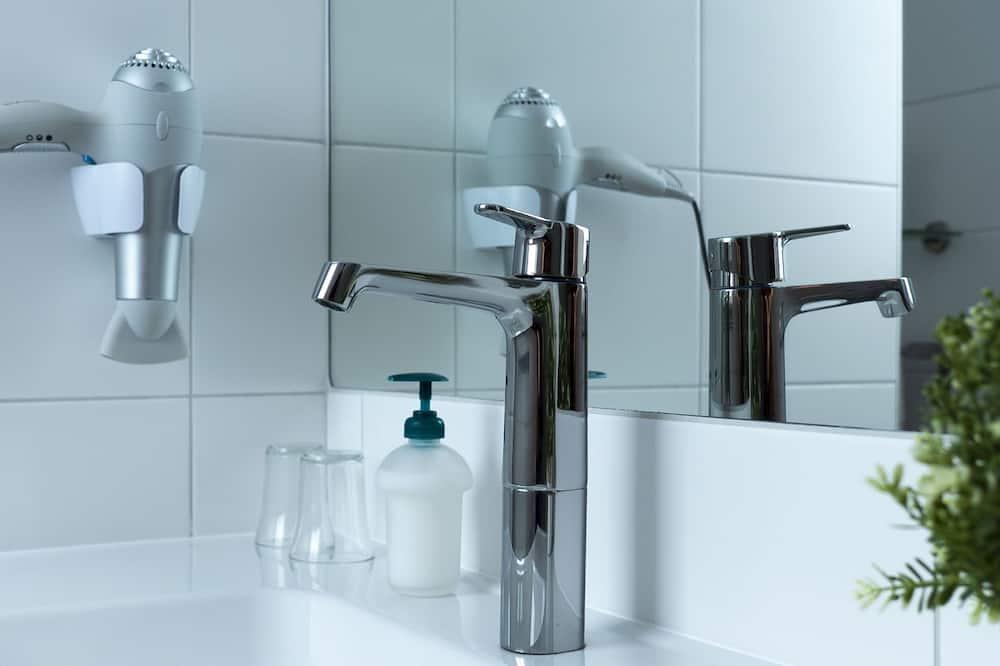Одномісний номер з двоспальним ліжком категорії «Комфорт» - Ванна кімната