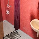 ห้องพัก, เตียงควีนไซส์ 1 เตียง, ห้องน้ำรวม - ห้องน้ำ