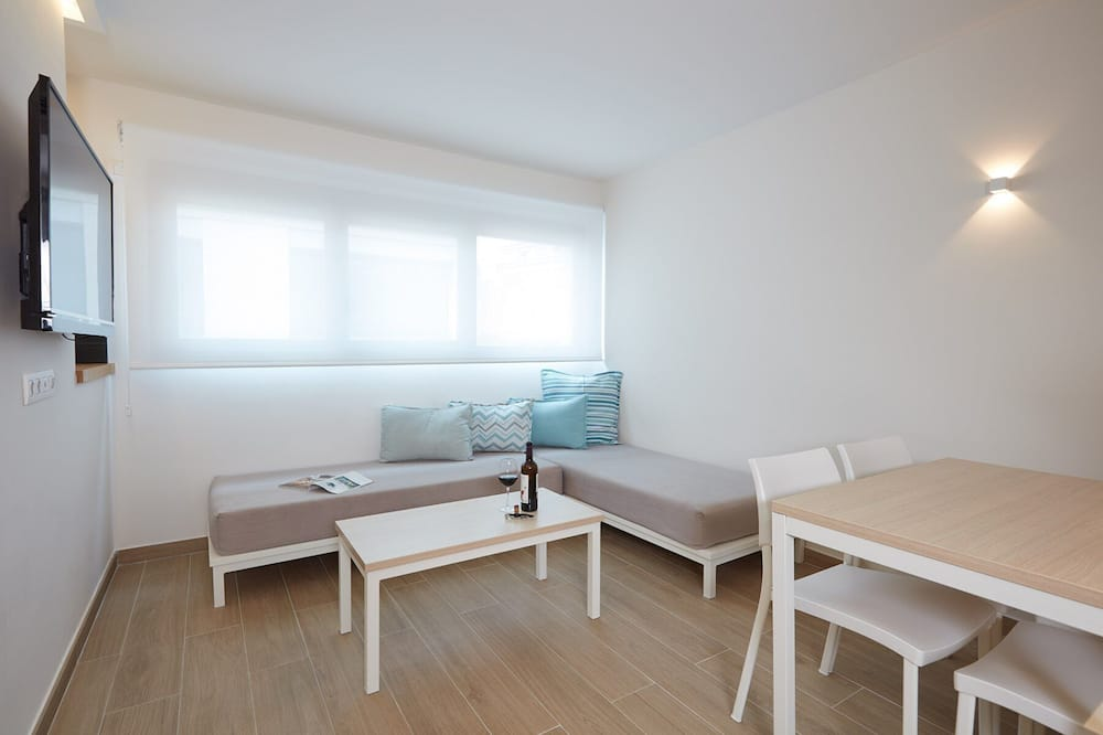 Apartment, City View - Living Room