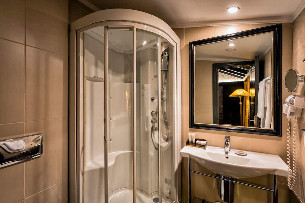 Vierbettzimmer - Dusche im Bad
