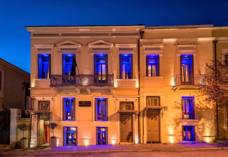 Maison Grecque, Patras, Facciata hotel (sera/notte)