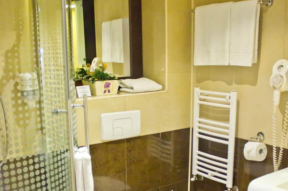 Superior Double Room Single Use, City View - Bathroom