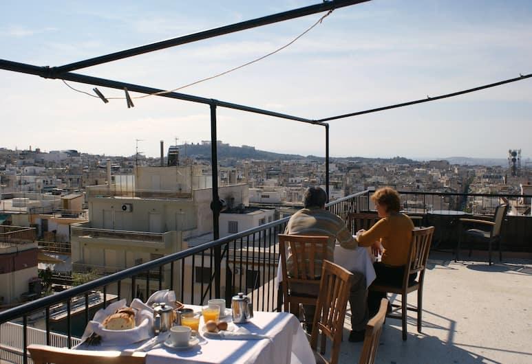 Ξενοδοχεία Ωρίων και Δρυάδες, Αθήνα, Γεύματα σε εξωτερικό χώρο