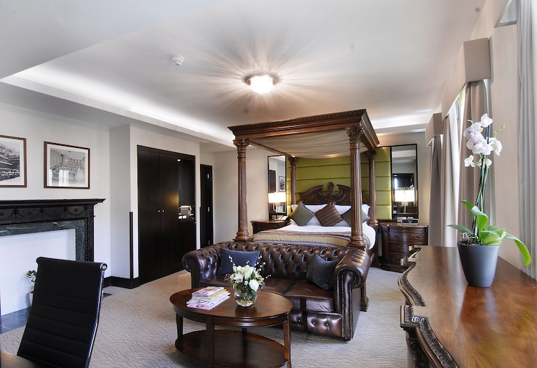 The Montcalm At Brewery London City, London, Deluxe Suite, Guest Room