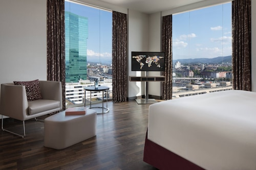 โรงแรมเรอเนซองส์