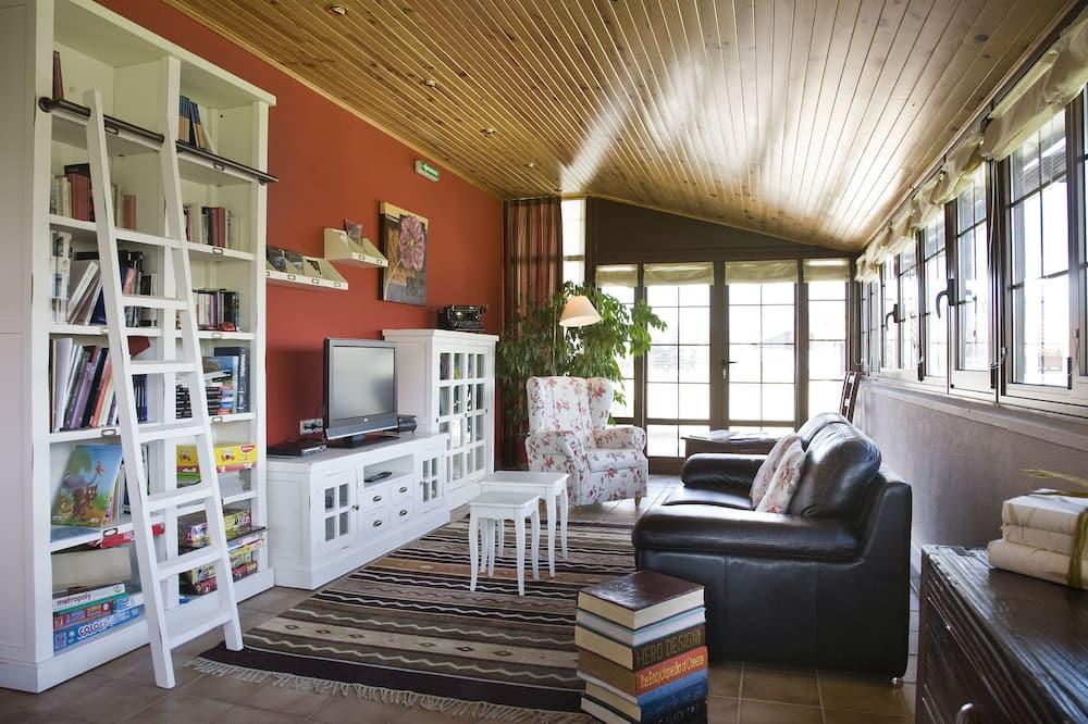 Economy Single Room, 1 Twin Bed - Living Area