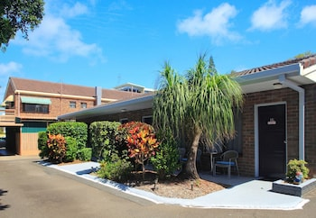 Picture of Twin Pines Motel in Mooloolaba