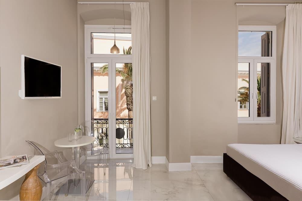 Superior dubbelrum - 1 sovrum - balkong - utsikt mot staden - Vardagsrum