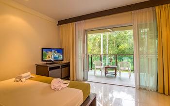 Picture of Lanta Pura Beach Resort in Ko Lanta