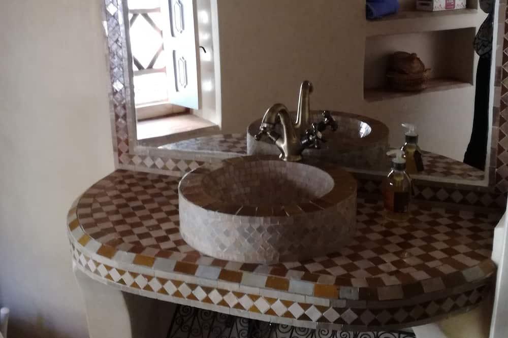 Doppelzimmer (Safran) - Badezimmer