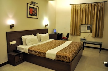 Choose This Mid-Range Hotel in Agra