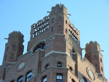 Picture of The Tudor Arms Cleveland - a DoubleTree by Hilton in Cleveland