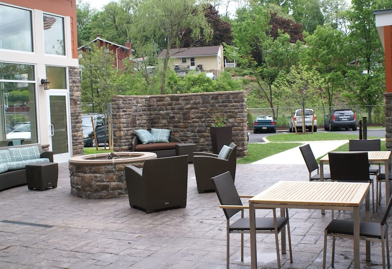 Residence Inn by Marriott Pittsburgh Monroeville/Wilkins, Питсбург, Двор