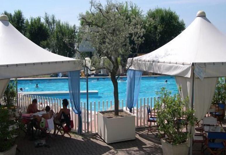 Hotel Eurovil, Предоре, Відкритий басейн