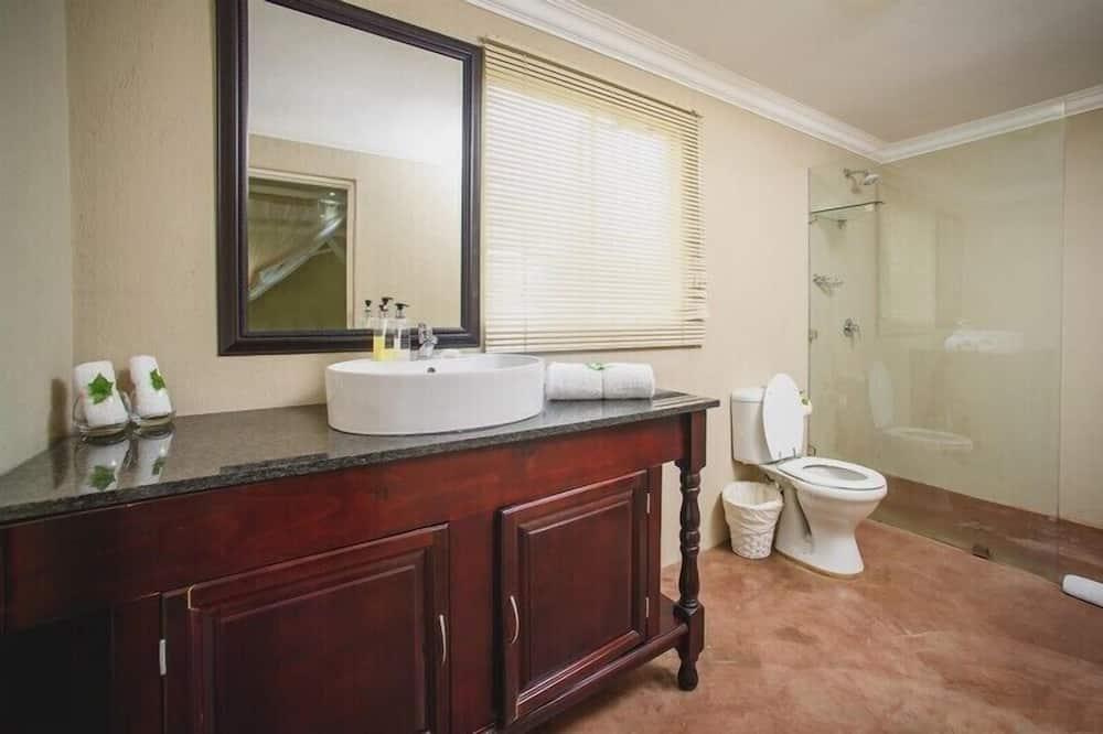 Habitación Deluxe (Triple) - Cuarto de baño