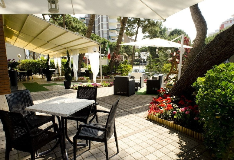 Hotel Olympic , Cervia, Terrazza/Patio