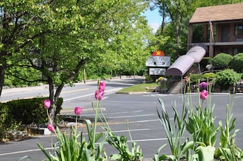 15 Closest Hotels To Jefferson Valley Mall In Yorktown Heights