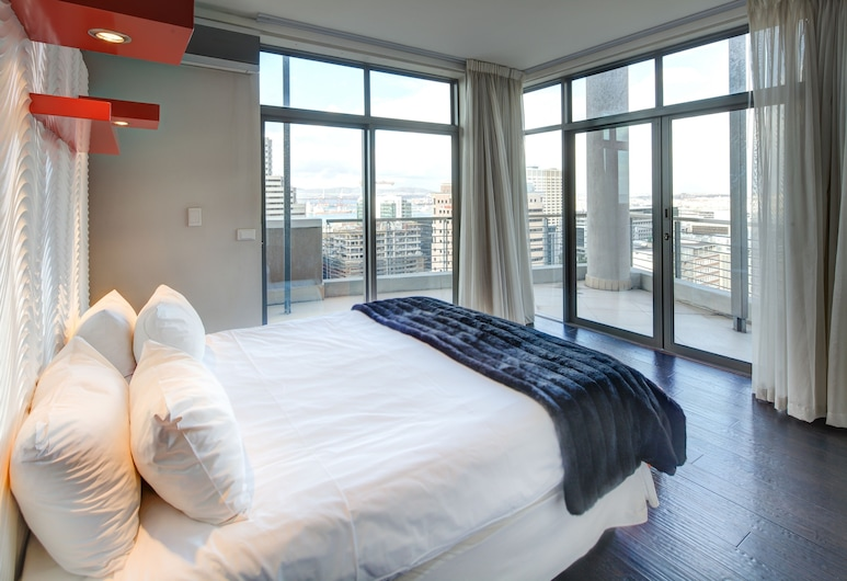Icon Luxury Apartments, Cape Town, Penthouse, 3 Bedrooms, View from room