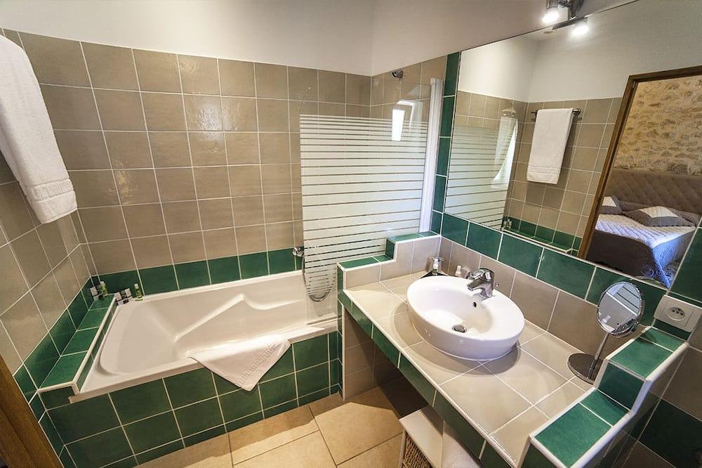 Room (Le Pin) - Bilik mandi