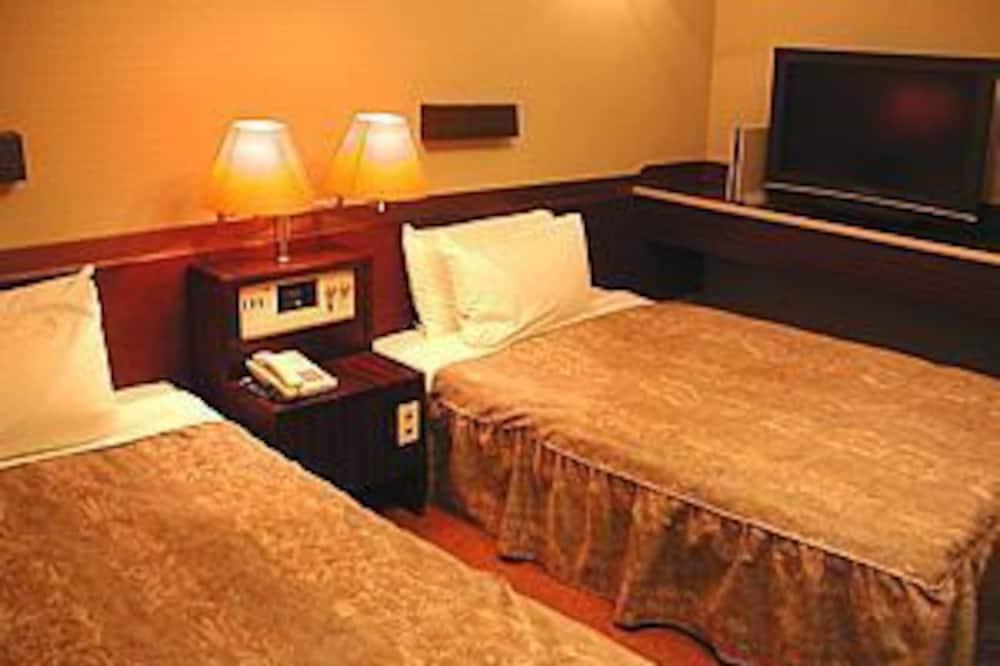 ツインルームダブルサイズベッド 2 台 - 客室