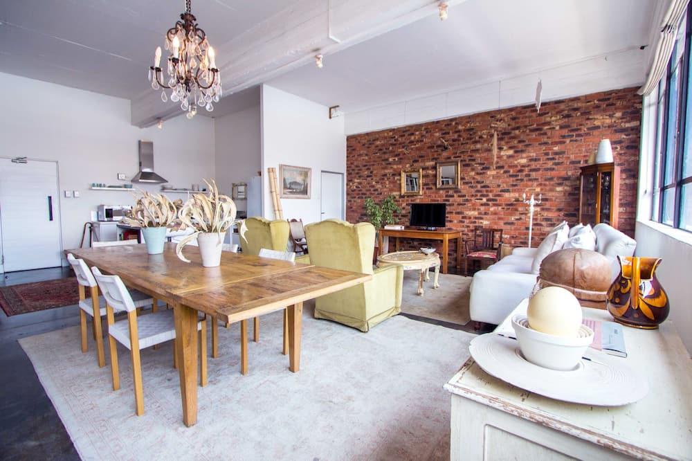Luksusa studija tipa numurs - Dzīvojamā zona