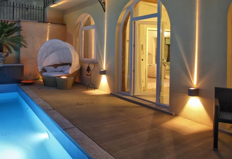 Villa Maggie, Malgrate, Exclusive külaliskorter, 2 magamistoaga, privaatbasseiniga (Bianco e Nero), Privaatbassein