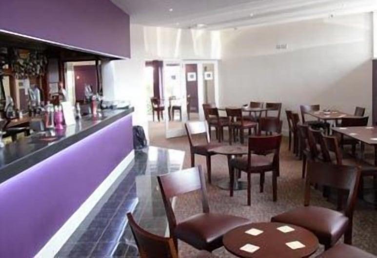 彼得洛莊園酒店及高爾夫俱樂部, 設福德, 酒店酒吧