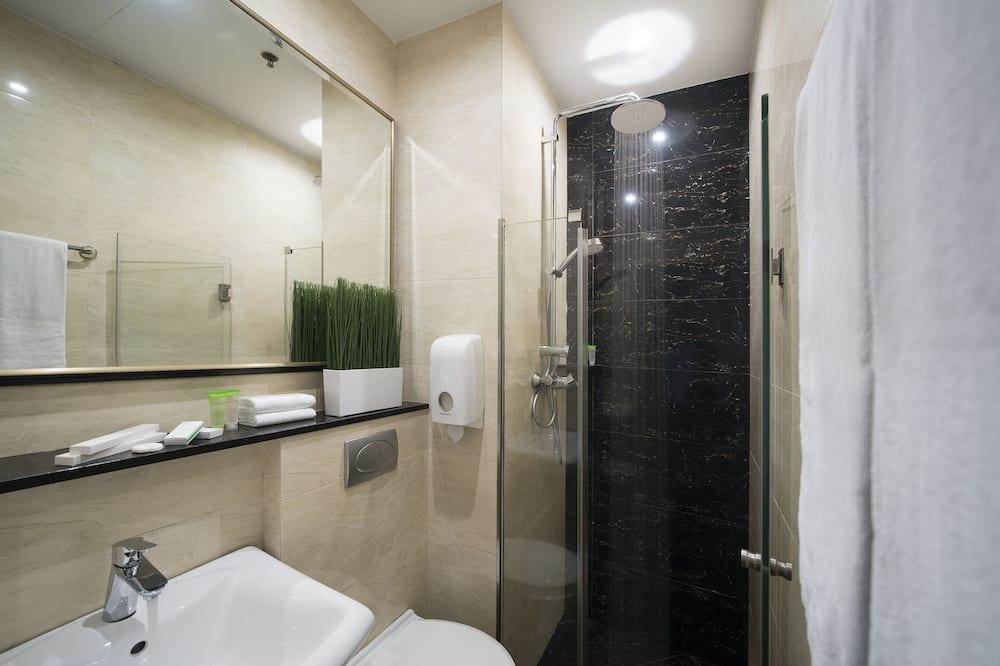 Premier Double 2 Pax NC - Bathroom